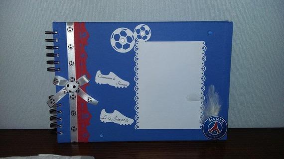 Livre d 'or thème Football ( PSG) avec personnalisation  25 pages