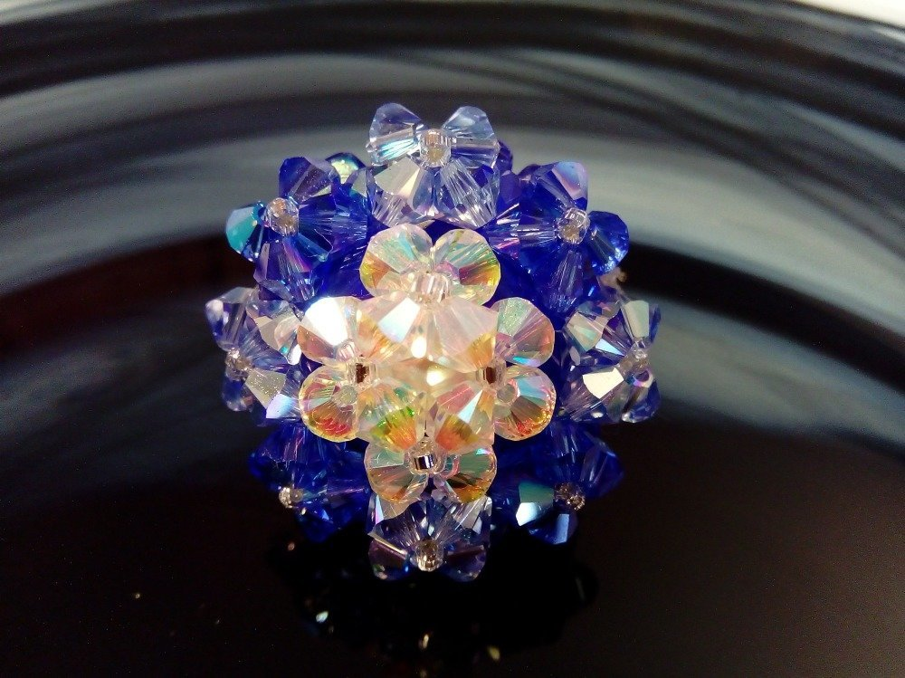 Bague Copine bleue saphir et blanche en perles de cristal Swarovski