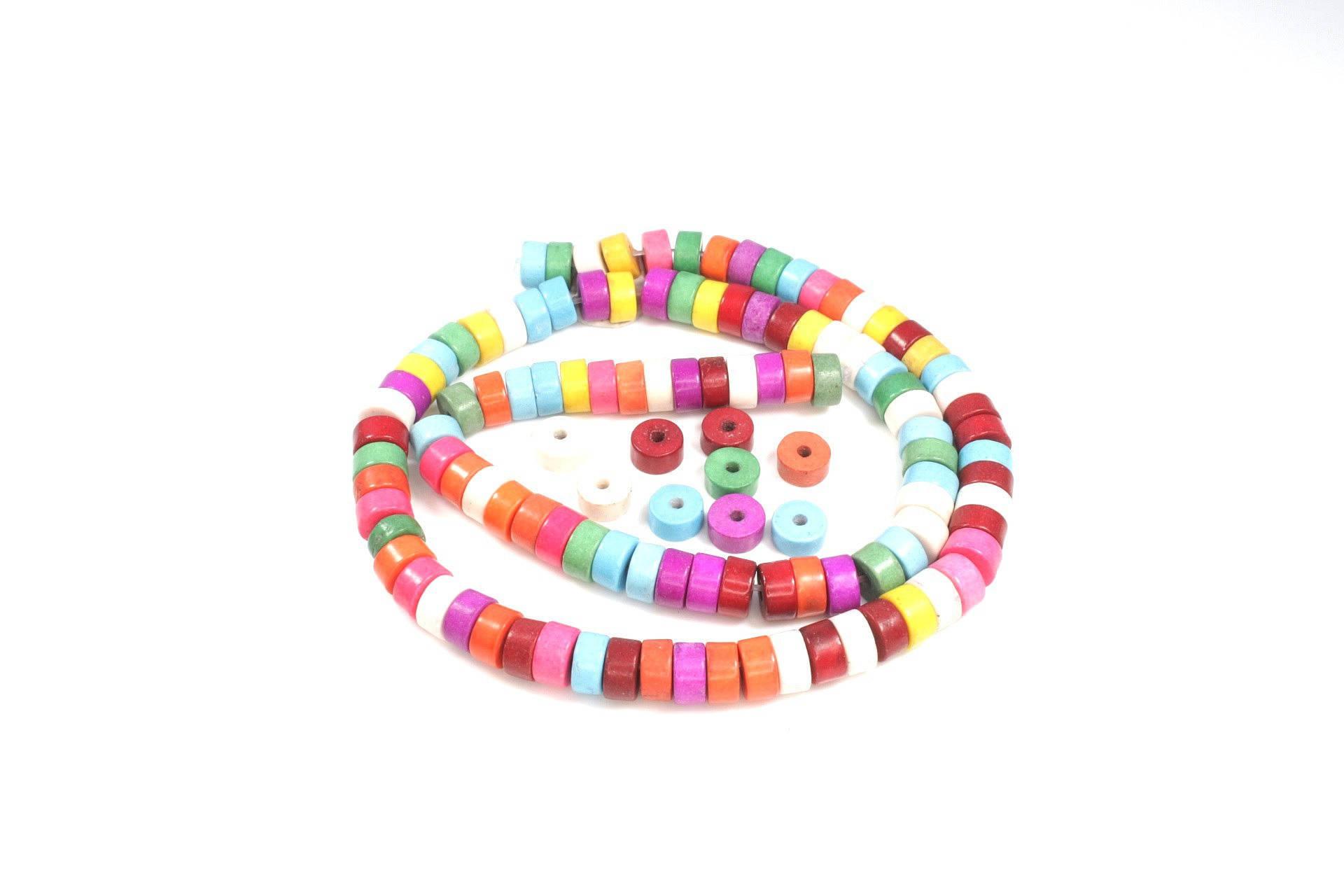 50 perles rondelle en turquoise synthétique multicolore + /- 6 x 3mm
