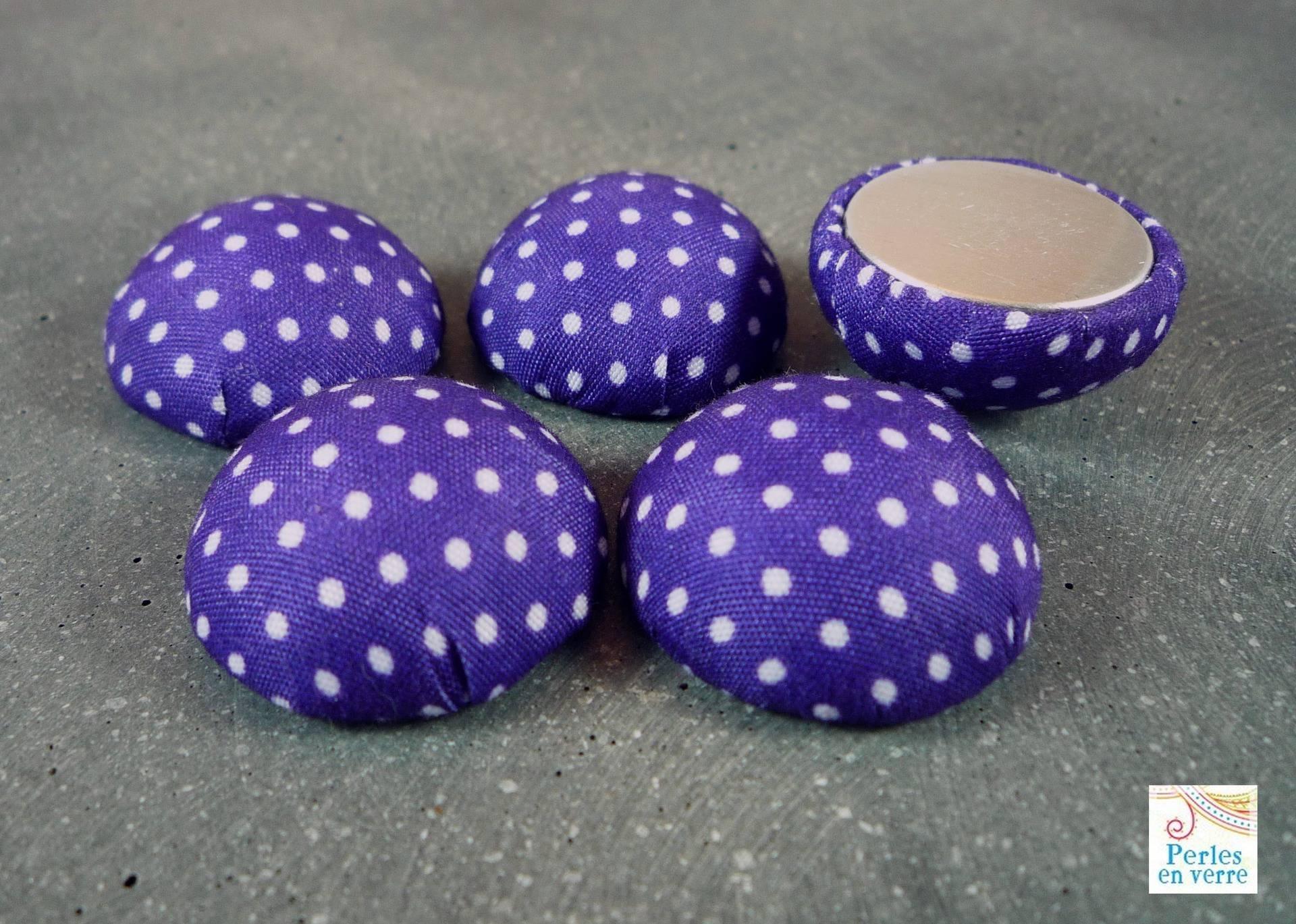 2 cabochons 25mm tissu violet à pois , (CAB59)