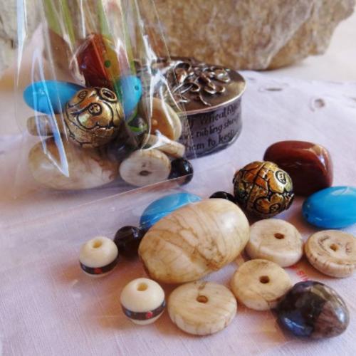 Lot 14 perles variées conque turquoise laiton jaspe os
