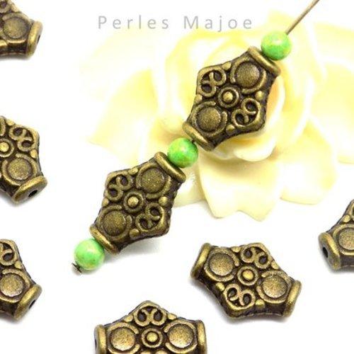 10 perles en métal frappé nuggets couleur bronze antique