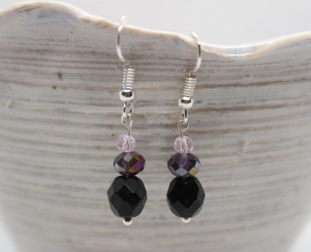 Boucles d'oreilles simples noir et violet