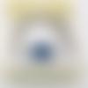 Bracelet jonc ouvert, argenté avec bouton pression fleur bleue strass  (b1)