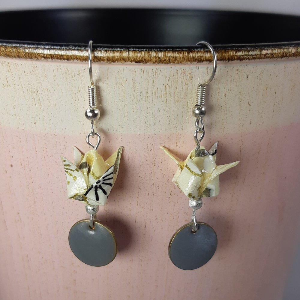 Boucles d'oreilles origami lotus écru et gris
