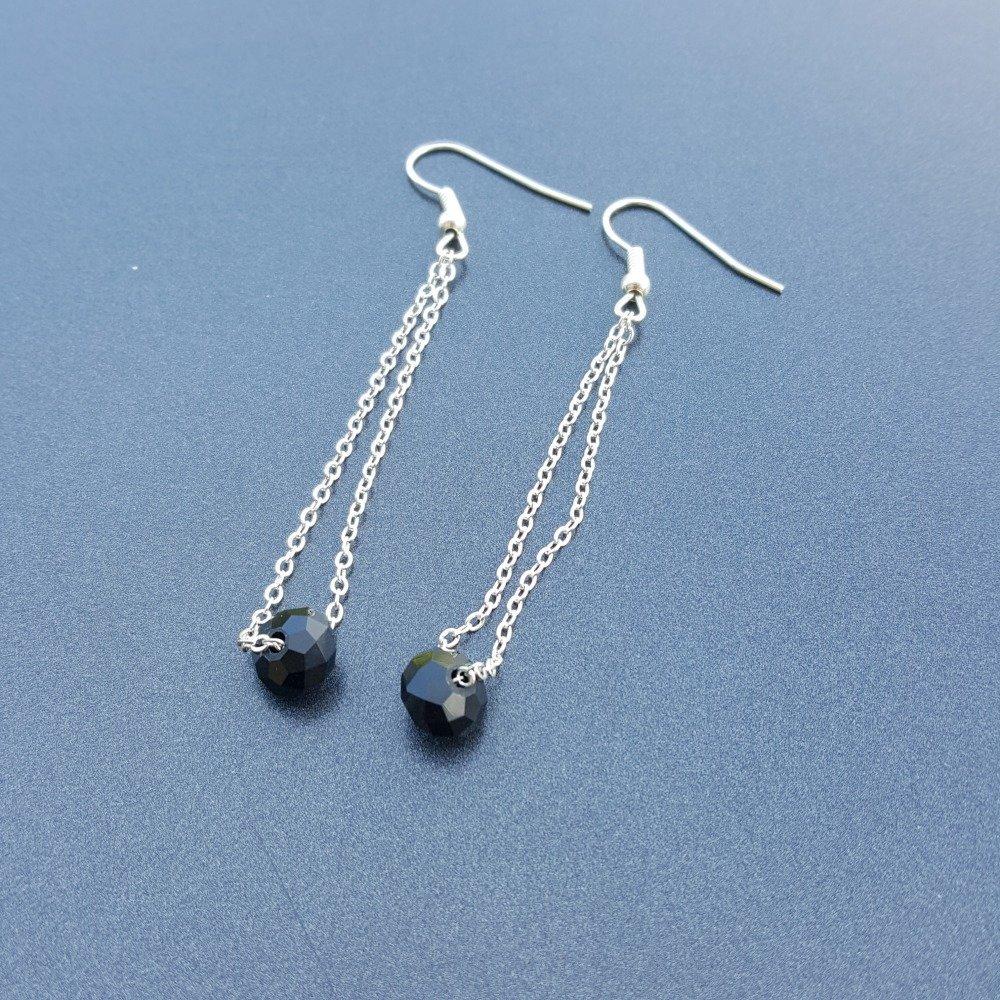 Boucles d'oreilles pendantes avec perle cristal swarovski noire