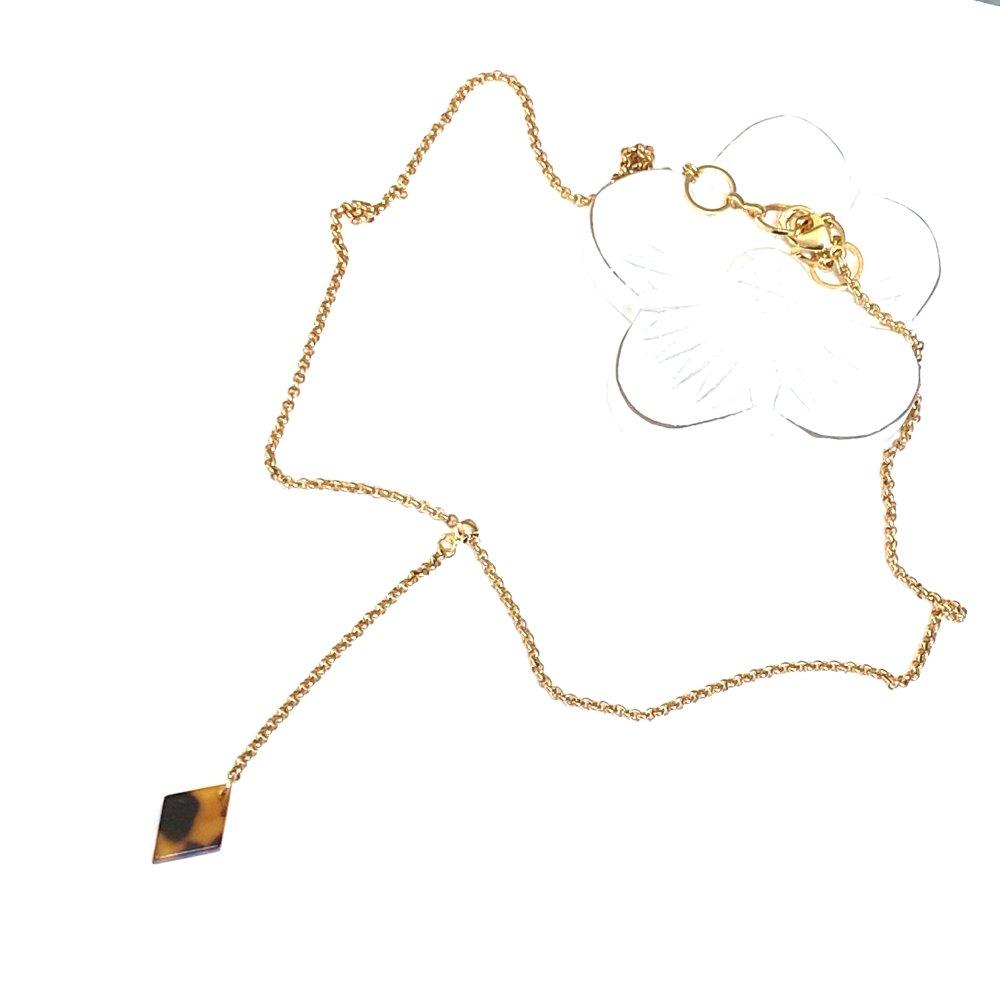 Collier ras de cou losange pendant