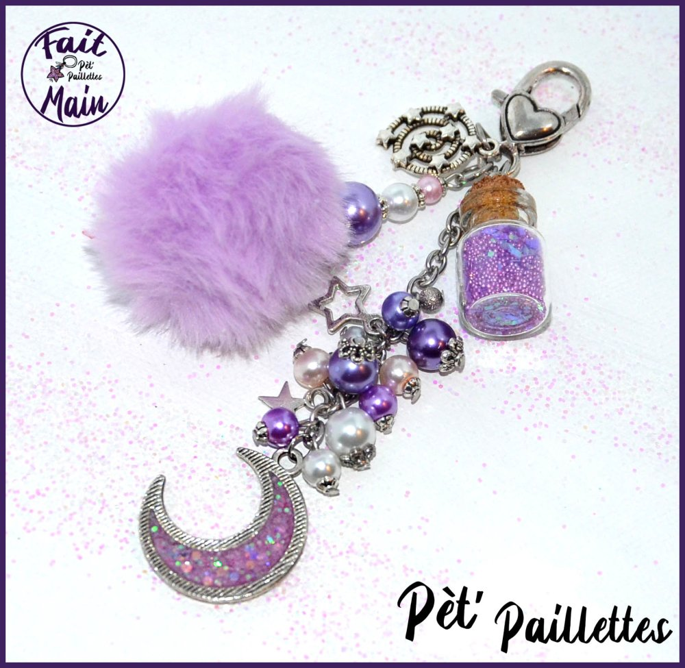 """Bijou de sac en perles de verre et résine """"Croissant de lune"""" tons violets"""