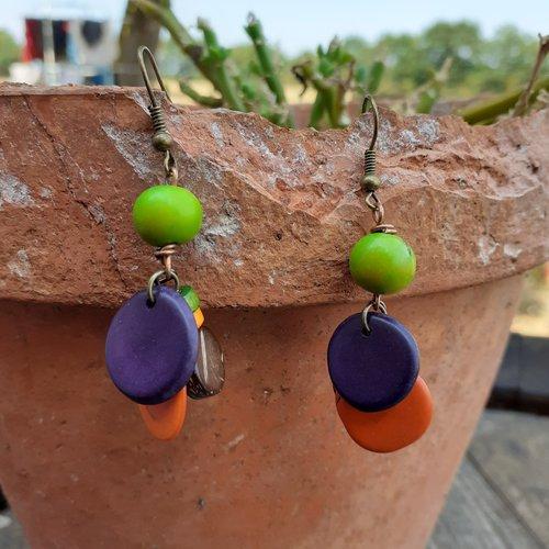 Boucle d'oreille graine tagua et perle coco