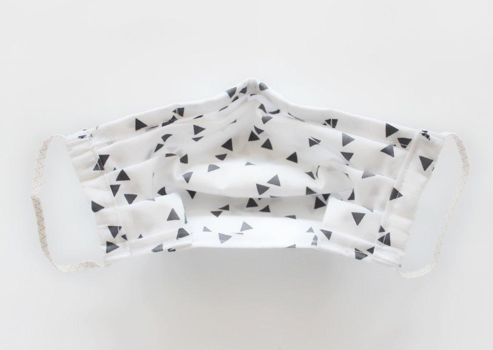 Masque de protection, Masque barrière ajustable avec barrette métallique et élastiques pour oreilles Triangles blanc