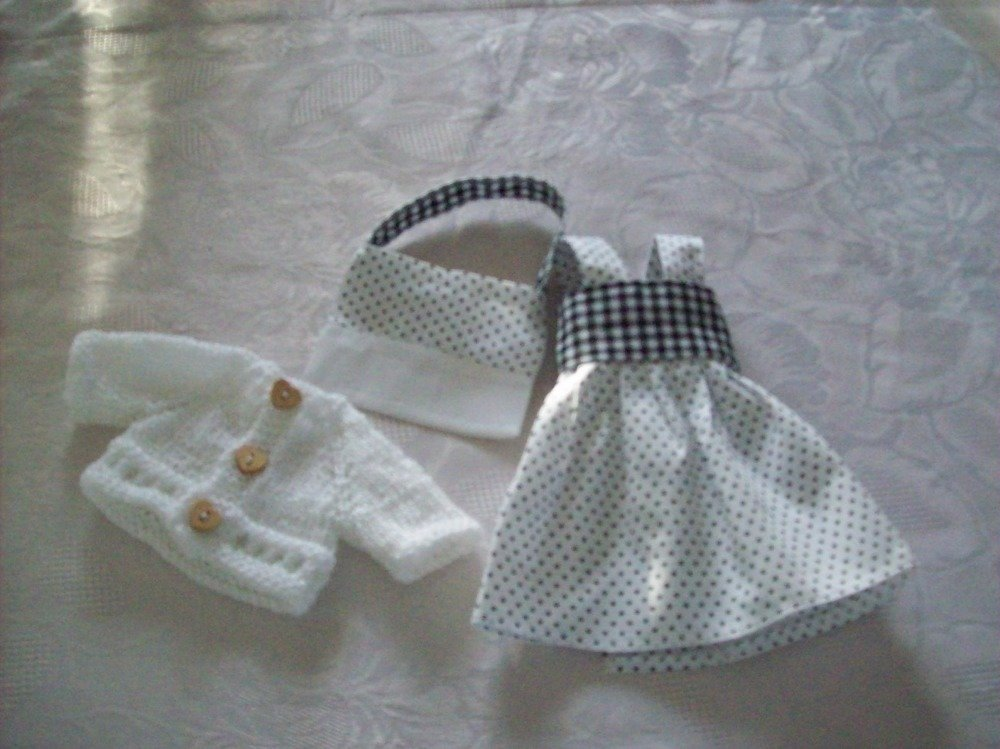 vêtements  pour  poupées menues  de 32/33cm ,robe,gilet,sac,compatibles avec les chéries