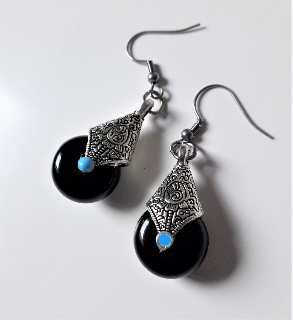 boucles d'oreilles d'inspiration tibétaine en agate noire