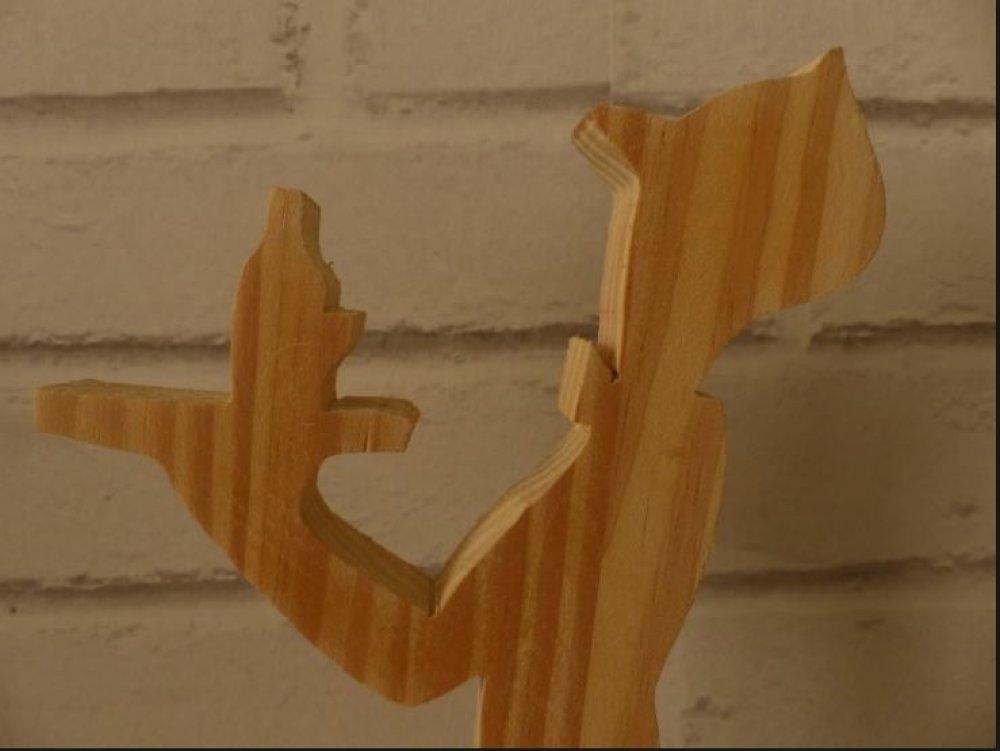 figurine serveur bois
