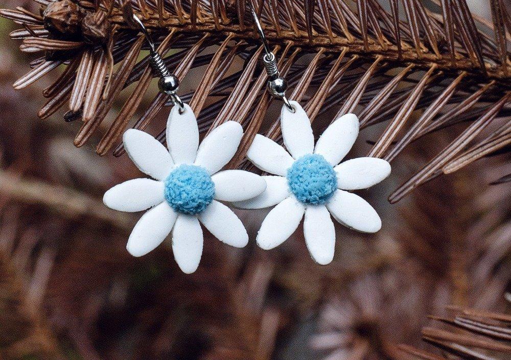 Marguerites  - boucles d'oreilles pendantes