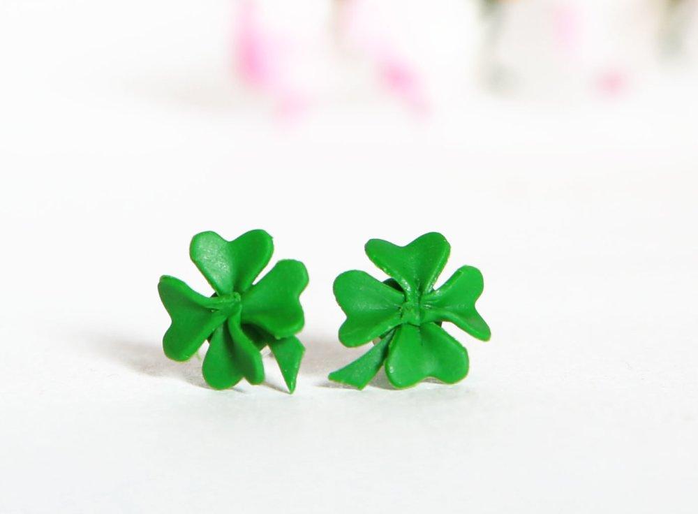 Trèfles à 4 feuilles - boucles d'oreilles non pendantes