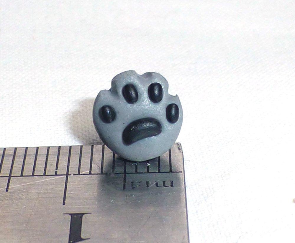 Pattes de chats gris - Boucle d'oreille non pendante, puce