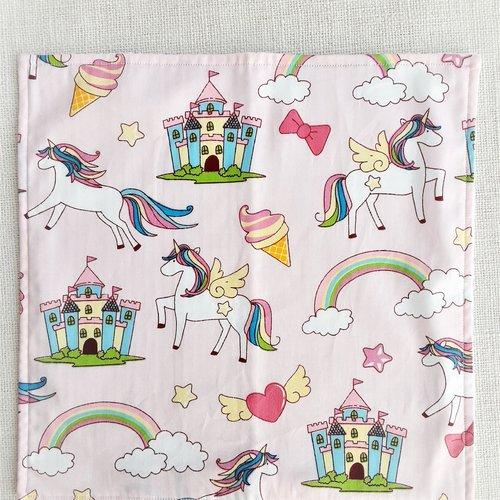 Serviette de table enfant - serviette de cantine - grandes licornes