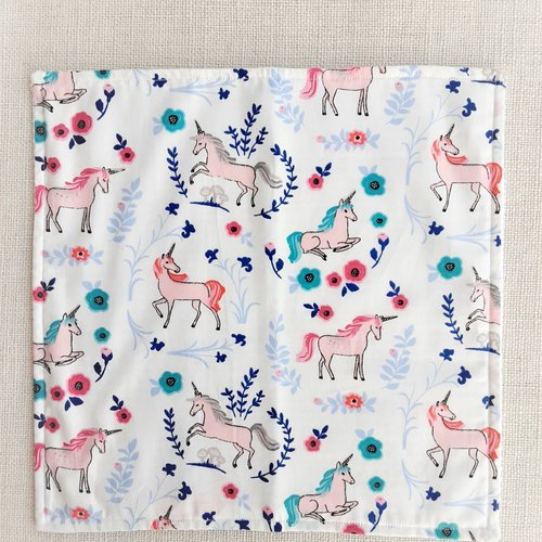 Serviette de table enfant - serviette de cantine - petites licornes