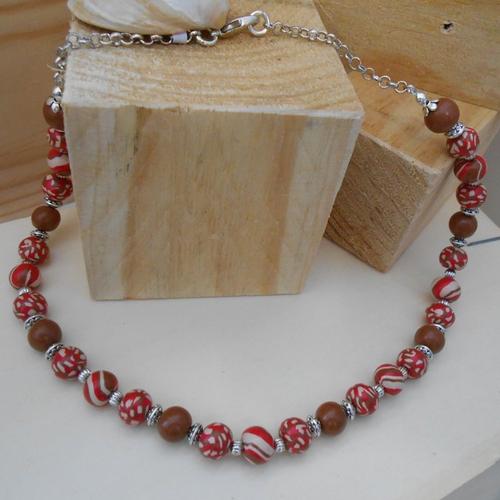 Collier perles mosaïque marron rouge et ecru