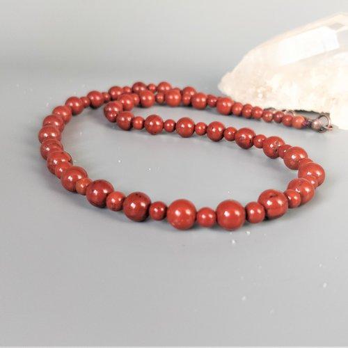 Collier ras du cou (40 cm) jaspe rouge véritable (perles d'environ 4 et 6 mm). homme / femme. pierre semi-précieuse