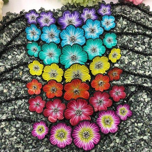 Collier pétales de couleurs en pâte polymère, cadeau pour femme, cadeau pour fille