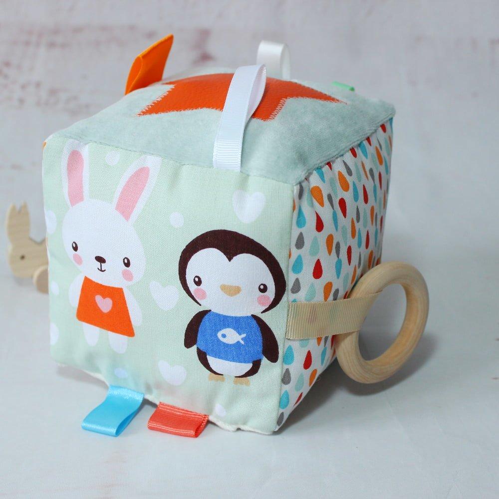 Cube d'éveil bébé en coton Oeko -Tex, Anneau dentition en bois Bio, Jouet bébé, Hochet, Cadeau naissance garçon