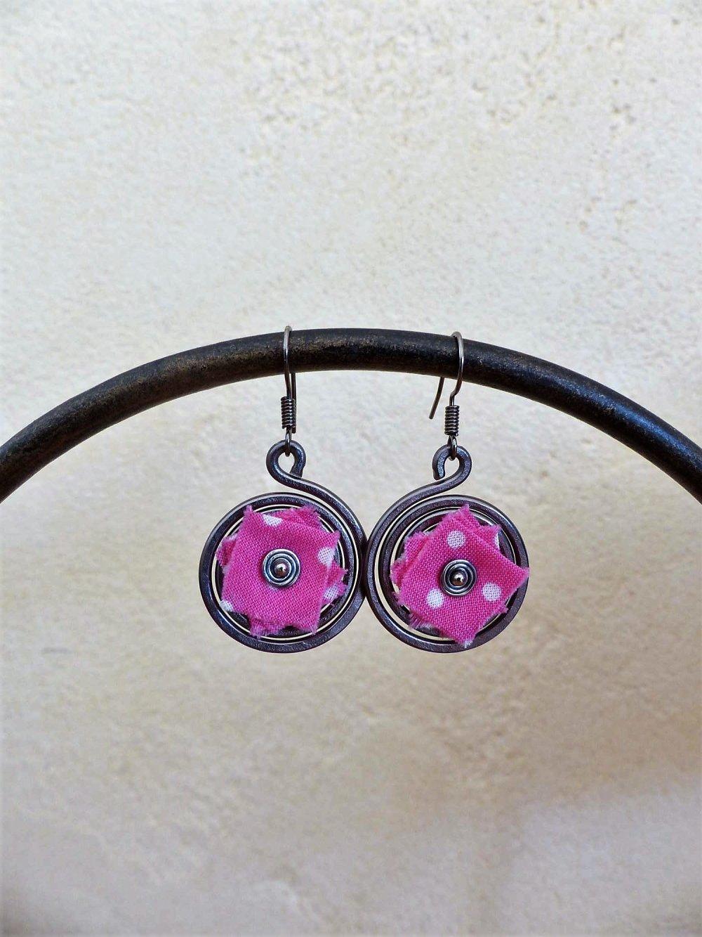 boucles d'oreilles spirales grises-liberty rose à pois