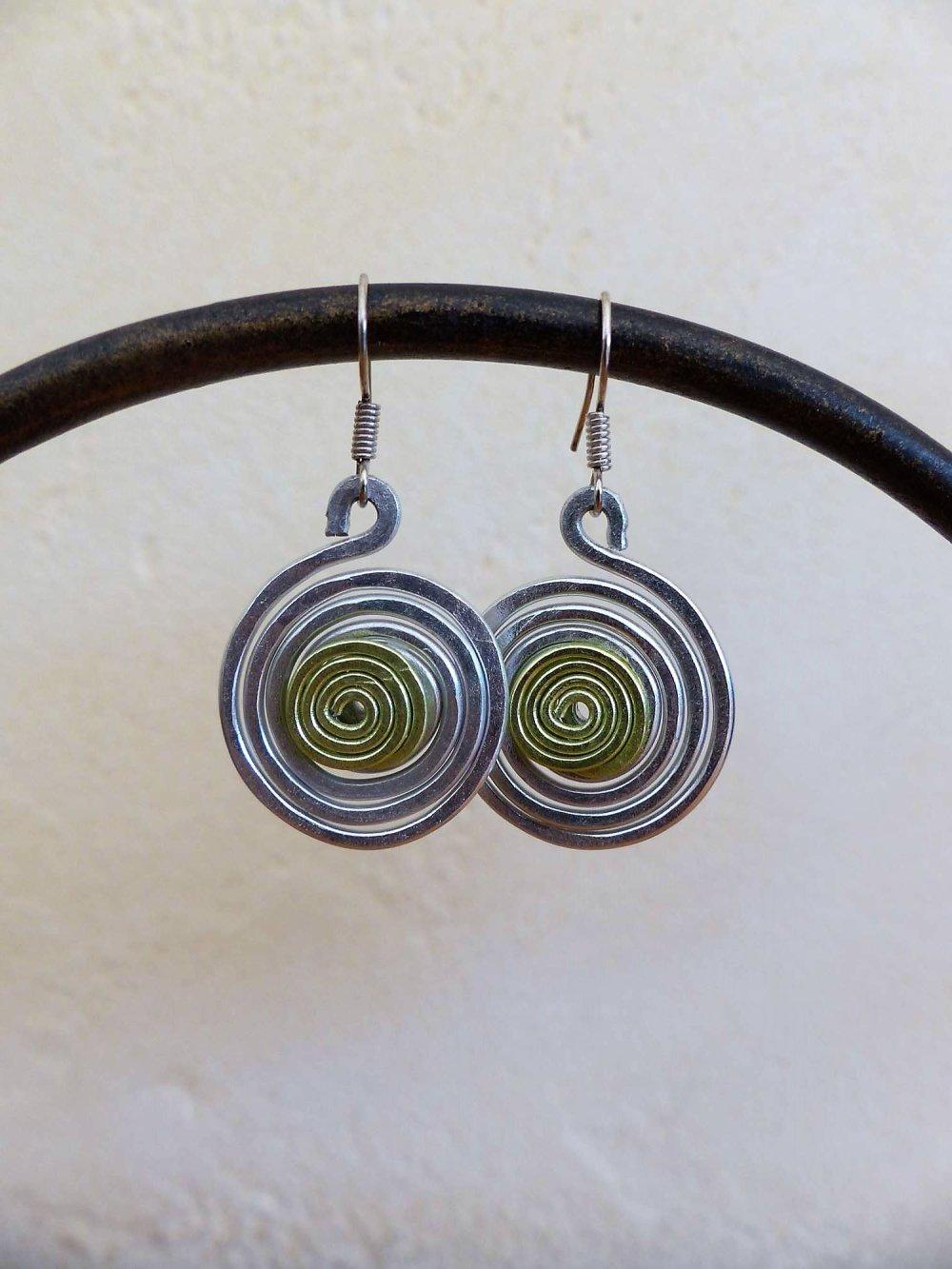 boucles d'oreilles spirales argentées-vertes