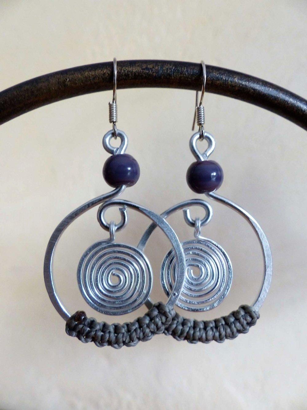 boucles d'oreilles spirales argentés macramé gris