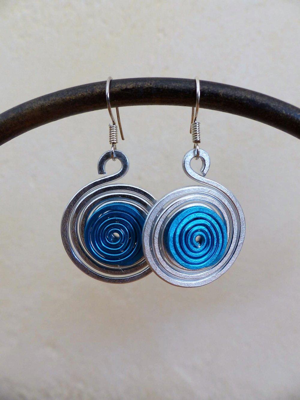 boucles d'oreilles spirales argentées-bleues