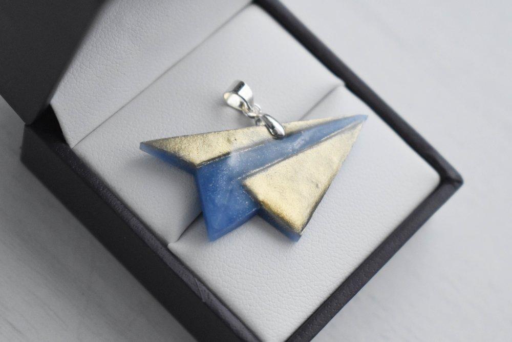 Pendentif en polymère : Avion origami bleu