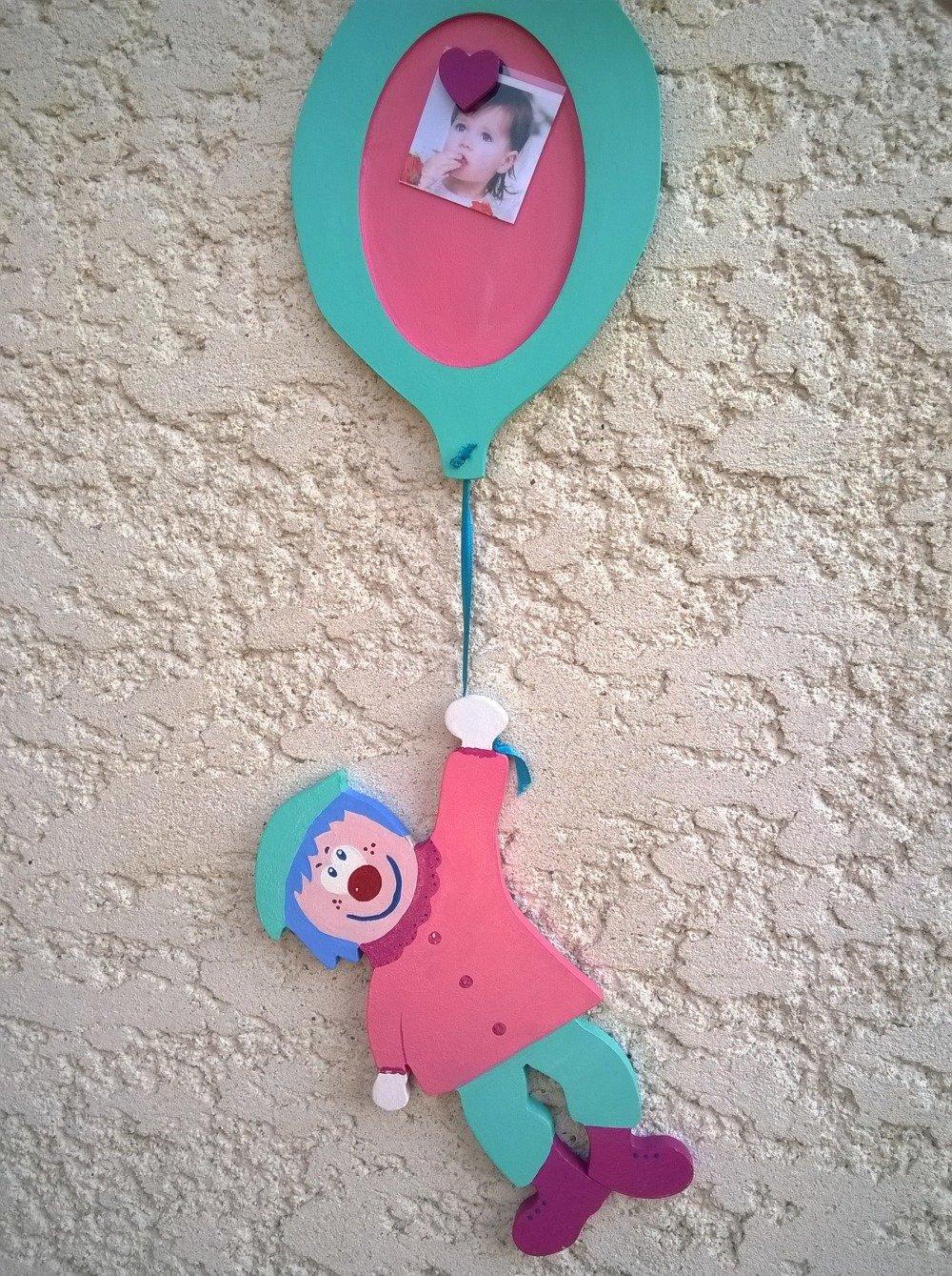 Décoration chambre d'enfant clown et son ballon photo