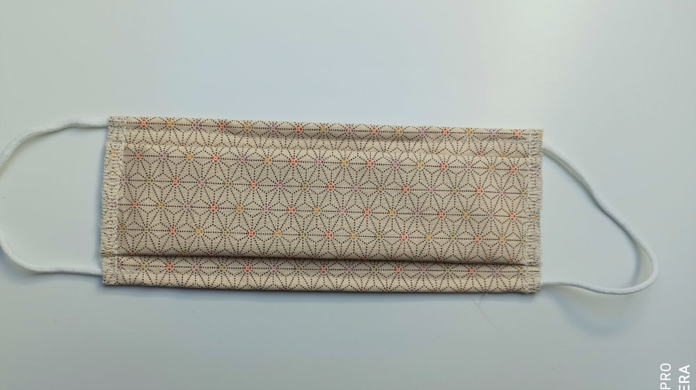 Masque tissu réalisé aux normes AFNOR, Tissu japonais traditionnel Asanoha beige clair