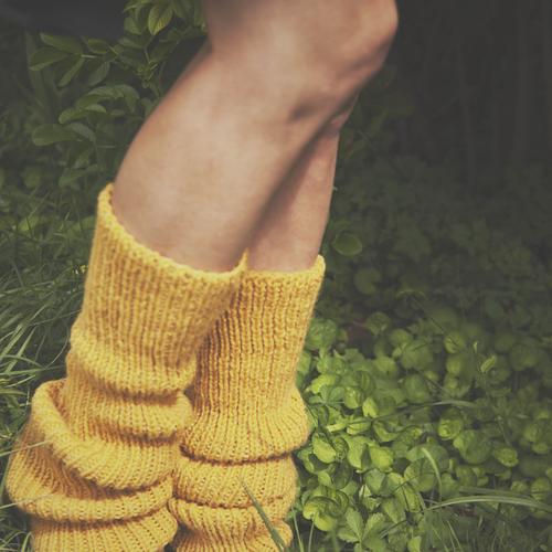 Maxi guêtres jaune tricotées en laine et alpaga