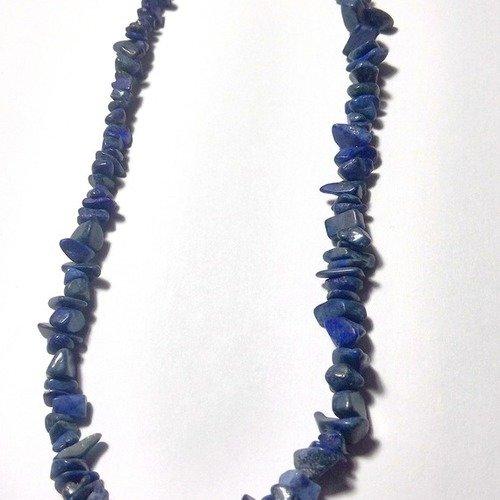 Collier de 44 cm autour du cou de chips en Lapis-lazuli