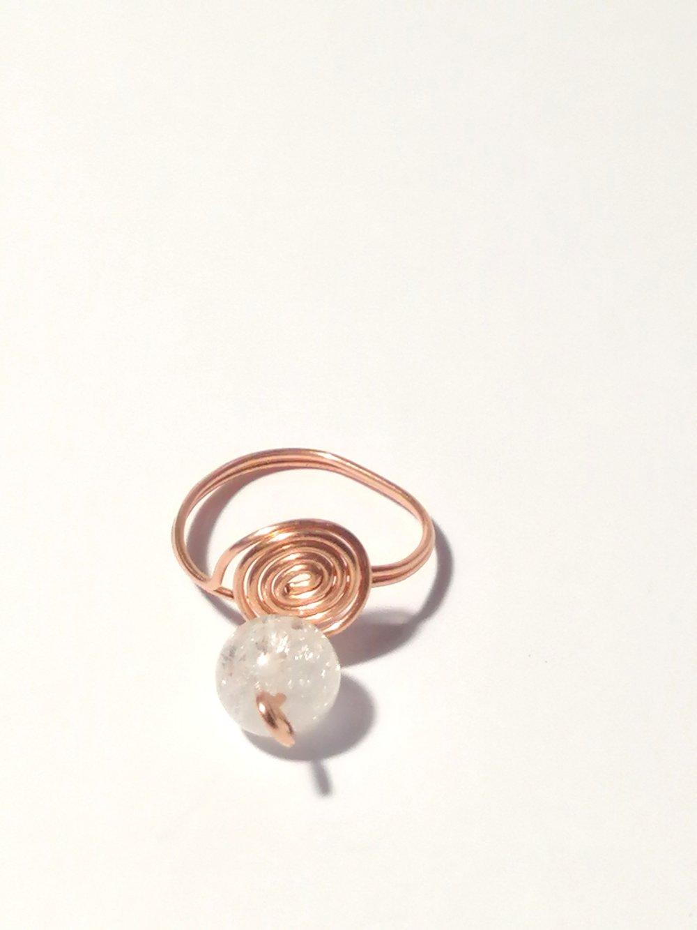 Bague de cuivre et une perle de Cristal de roche