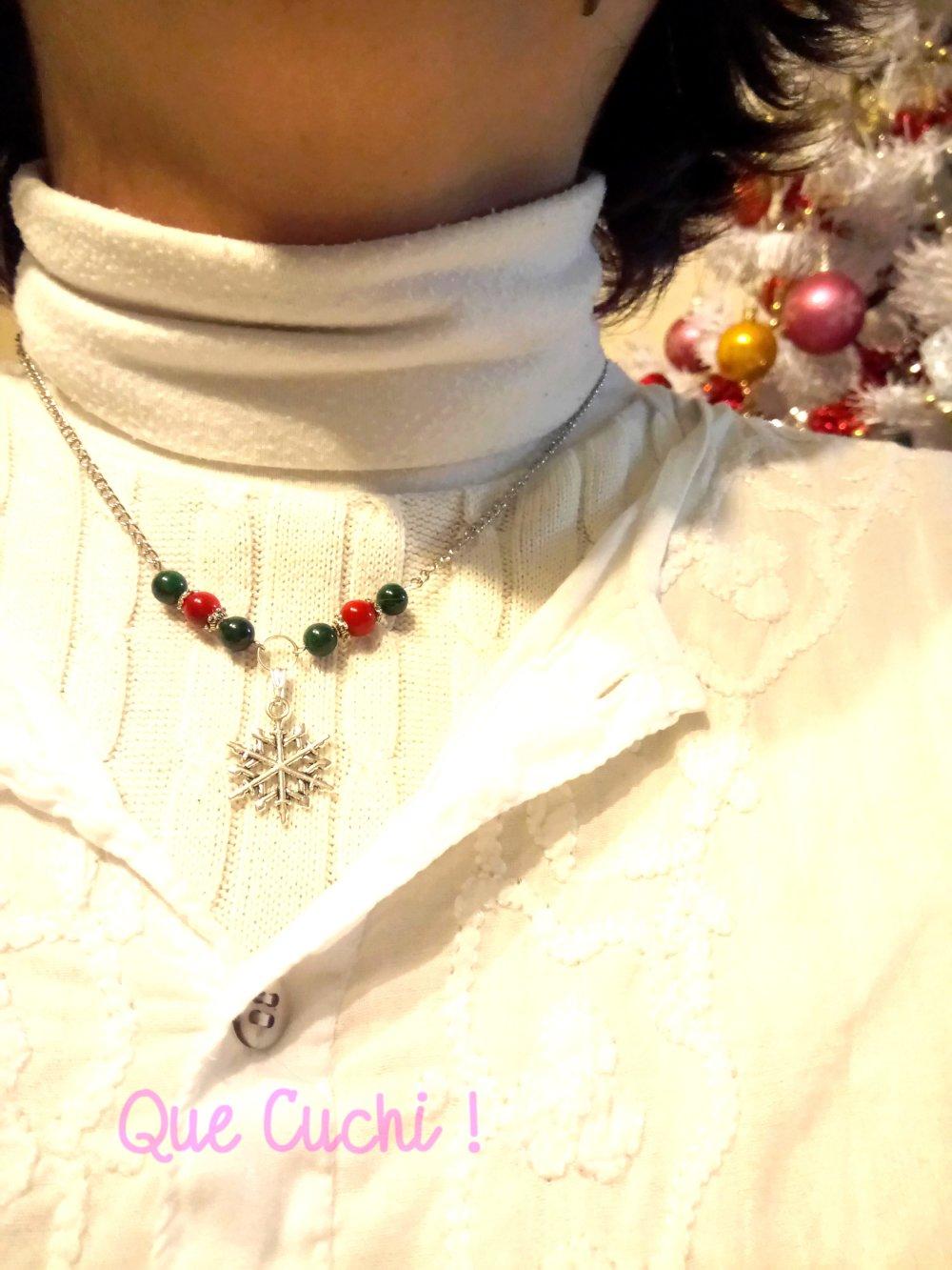 Collier Noël flocon de neiges avec du Corail et Malachite