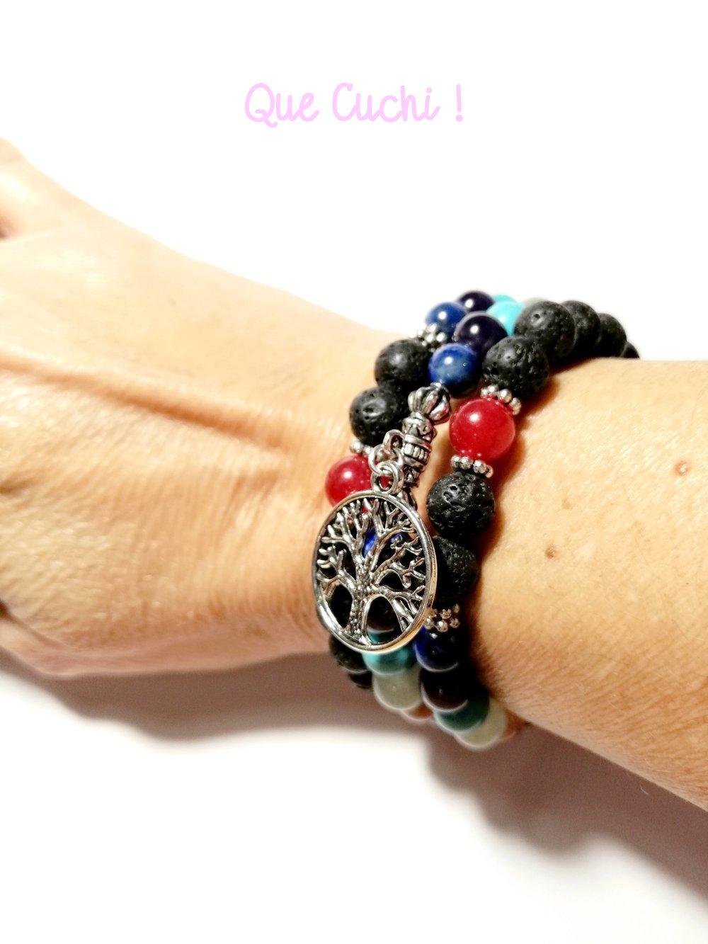 Bracelet trois tours 7 chakras avec perles de lave et un breloque au choix