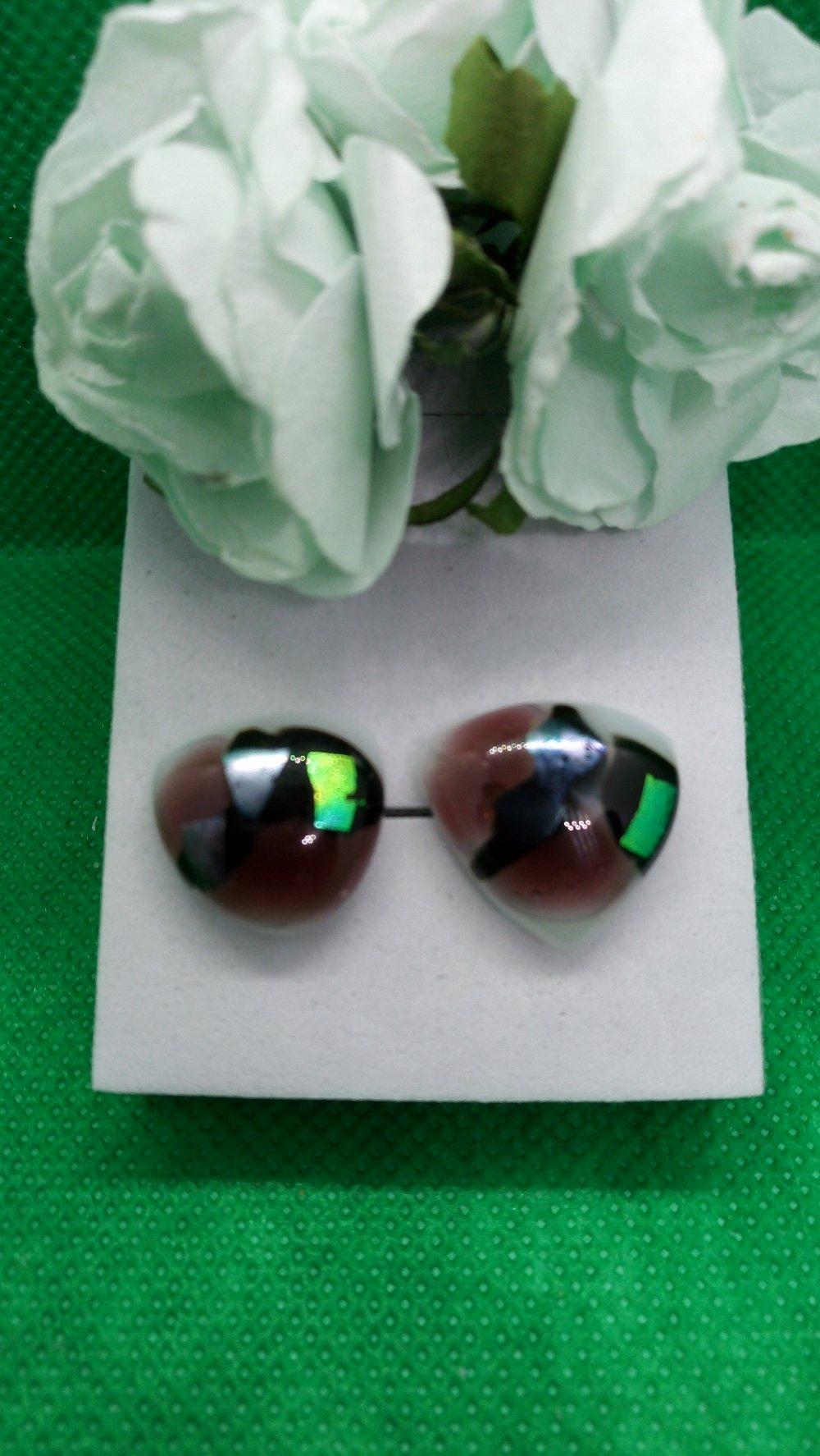 Clous d'oreilles verre dichroïque
