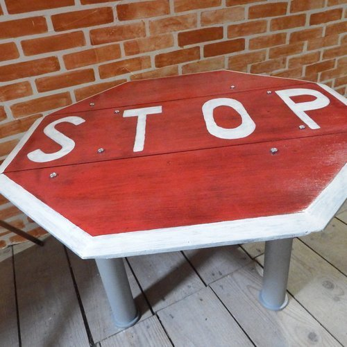 """Table basse """"stop"""""""
