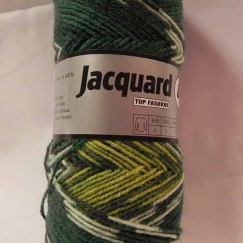 Lot de 4 pelotes de laine tons vert  pour effets jacquard