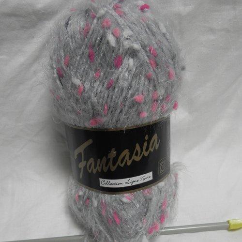 1 pelote de laine gris clair 100 g aiguilles 4.5 ou 5