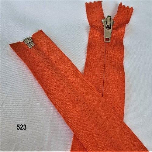 Fermeture eclair orange vif , invisible et séparable spirale 6 mm , longue de 40 , 45 , 50 , 55 , 60 , 65 , 70 , 75 , 80 , 85 cm