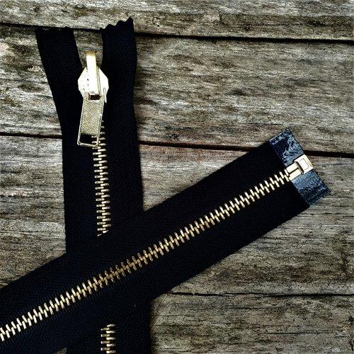 Fermeture reversible en métal,  glissière or sur ruban noir , sur mesure maxi  65 cm