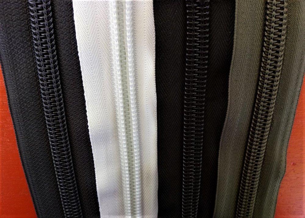 Rouleau de fermeture au metre numero 10 , noir , blanc , gris , rouge et kaki