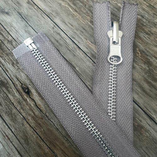 Fermeture grise à glissiere métallique argentée détachable réversible sur mesure de 20 à 65 cm