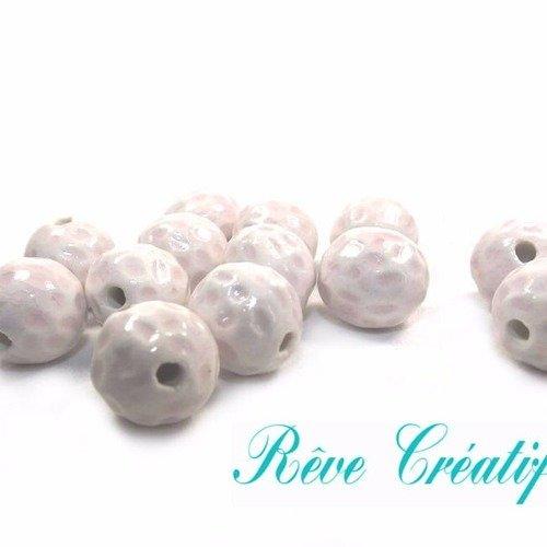 4 perles rondes, perles artisanales, diamètre 18mm, céramique émaillée, blanc et rose