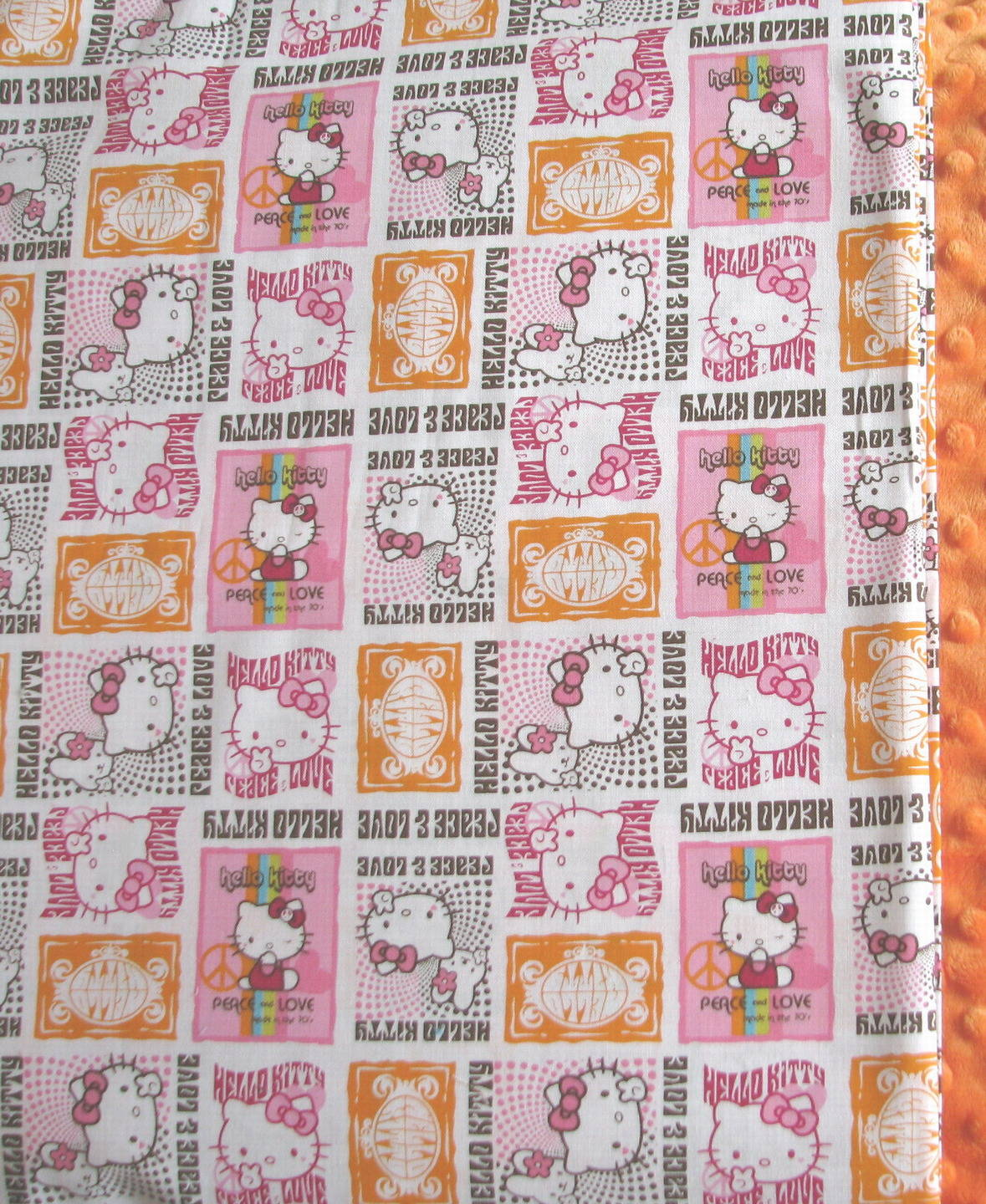 tissu enfant Hello kitty blanc rose et orange, vignettes, David Textiles