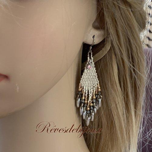 Boucles d'oreilles  percées boho chic en perles et strass argenté et doré