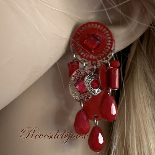 Boucles d'oreilles percées rouge fantaisies